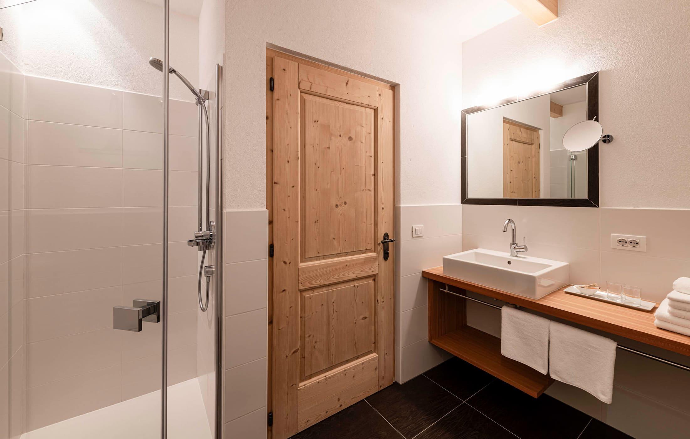 Christlrumerhof Slider Bauernhof Ferienwohnungen Appartement Badezimmer