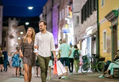 Sommer Shopping Abend 1 ©Harald Wisthaler