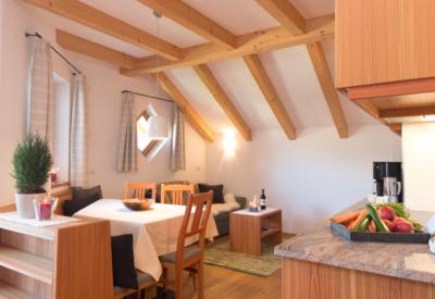 Christlrumerhof Ferienwohnung Wohnraum Zirbe