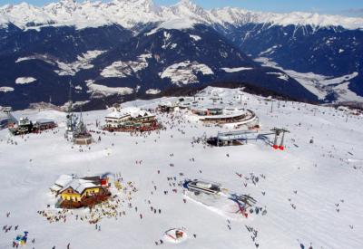 Kronplatz Gipfel in Südtirol im Pustertal