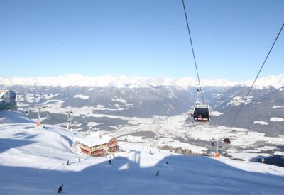 Skifahren im Pustertal in Südtirol